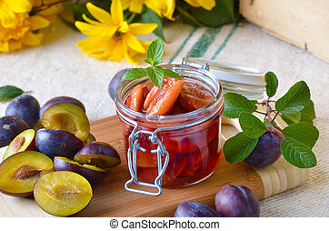Plums - Plum compote and fresh plums