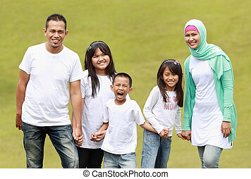 Portrait of big Family in the park