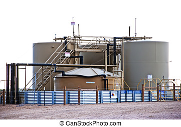 Oil and water storage at an oil well location