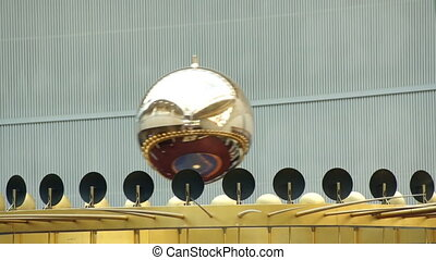 Foucault pendulum, close-up