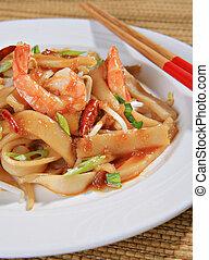 Spicy Shrimp Pad Thai Close-up