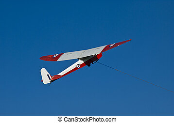 Glider taking of with towing cable - Glider takes to the air...