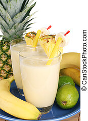 Fresh fruity milkshake - Delicious fresh milkshake mixed out...