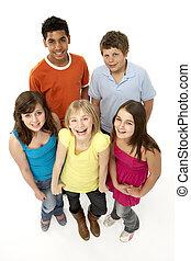 grupo, de, cinco, joven, niños, en, estudio