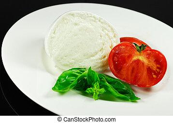 mozzarella - piatto di mozzarella e pomodoro