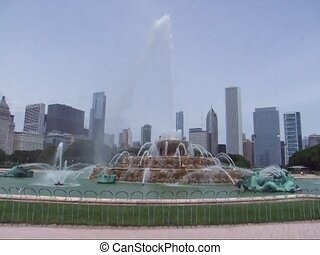 Chicago. Buckingham Fountain and skyline