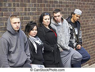 pandilla, de, juventudes, propensión, en, pared