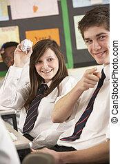 adolescente, estudiantes, el misbehaving, en, aula