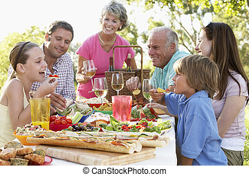 Family Dining Al Fresco