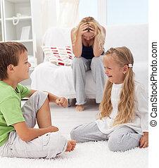 niños, teniendo, pelea, pelea