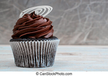 Creamy chocolate cupcake - Chocolate cupcake with chocolate...