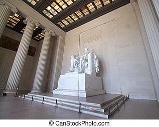 Lincoln Memorial - Lincoln statue in Lincoln Memorial