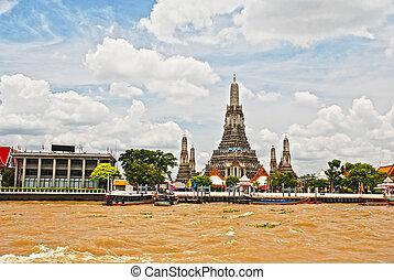 Wat Arun Bangkok - The Joa Praya River Wat Arun Bangkok...