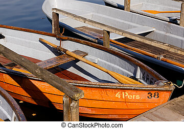Rowing boats at the Schlachtensee - Recreational rowing...