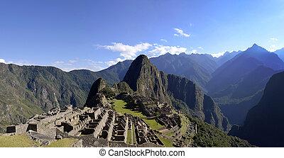 Panorama of Machu Pichu with Huayna Picchu, rainforest...
