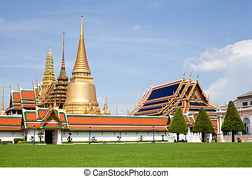 Wat Phra Kaew. - Wat Phra Kaew tourism travel in thailand.at...