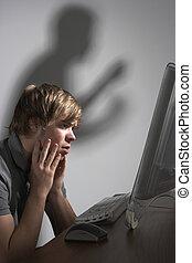 Cyber, intimidar, concepto