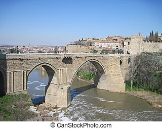 Spain. Toledo. - The bridge through the river Tagus.