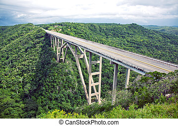 bridge - Tall bridge over a green valley in Cuba