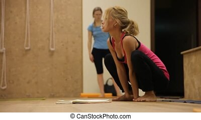 Yoga - Training by yoga in a gym