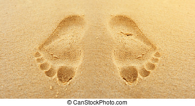 footsteps in sand - Footsteps in the sand