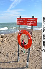 Danrgerous Currents warning - Dangerous Currents sign posted...