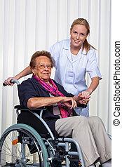 viejo, mujer, sílla de ruedas, Enfermera