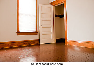 Empty Room - Clean empty room in an vacant old house