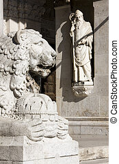 The Lion and the Saint - Sculptures of Szeged Dom Cathedral...