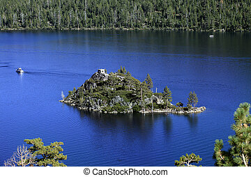 Lake Tahoe - Small island in lake of Lake Tahoe