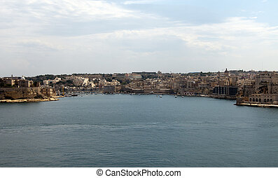 Valetta harbour the view on Sienna