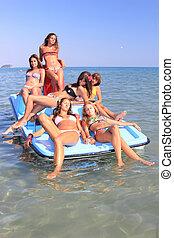 six, beau, jeune, Femmes, pedalo, Bateau