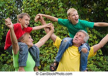 abuelos, niños