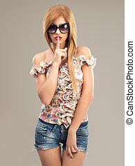 美麗, 婦女, 太陽鏡, 短褲, 牛仔褲, 時裝, 肖像
