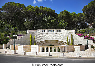 Bahay sacred places in Haifa - Magnificent gardens in...