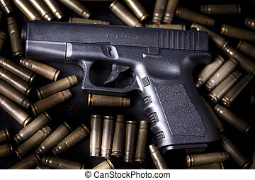 Pistol - Ammunition and automatic handgun