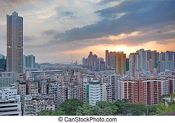 cidade, pôr do sol