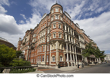 Kensington, London - Grand Victorian mansions in Kensington,...