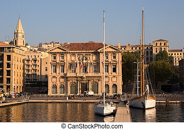The Marseilles port - Sailing yachts in Marseilles to port...