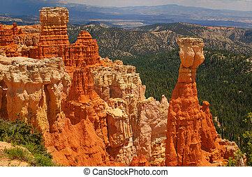 Bryce canyon Hoodoos - Hoodoos of Bryce Canyon National Park...