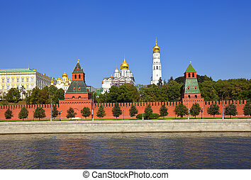 Moscow Kremlin and Moskva River - Kind to the Moscow Kremlin...