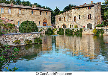 Bagno Vignoni - old thermal baths in the medieval village...