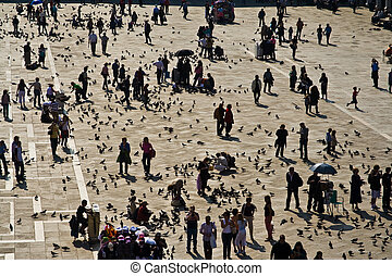 Venedig, people at the mcentral place in Venice, markus...