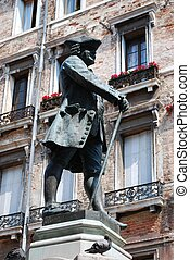 Garlo Goldoni statue - Bronze statue of the Italian...