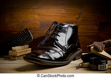Shoe polishing tools