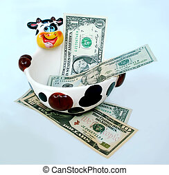 Cash Cow spill - Ceramic cow bowl with cash spill out