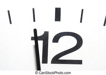 five to twelve clock in horizontal format - clock to eleven...