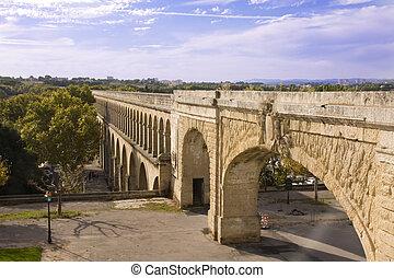 Roman aquaduct - Ancient aquaduct in Montpellier