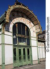 Otto Wagner Pavilion Karlsplatz - the Otto Wagner Pavilion...