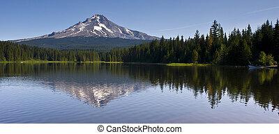 Mount Hood Trillium lake